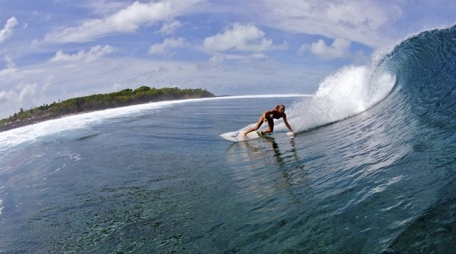 surfing at Hudhuranfushi