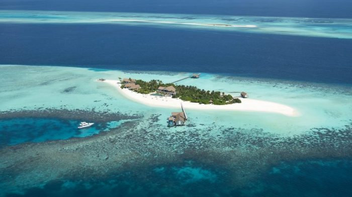 Four Seasons Private Island Maldives: untouched design, voyage of discovery