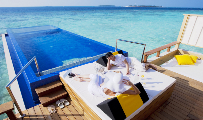 Maldives central bank projects 'firm growth' in tourism in 2018