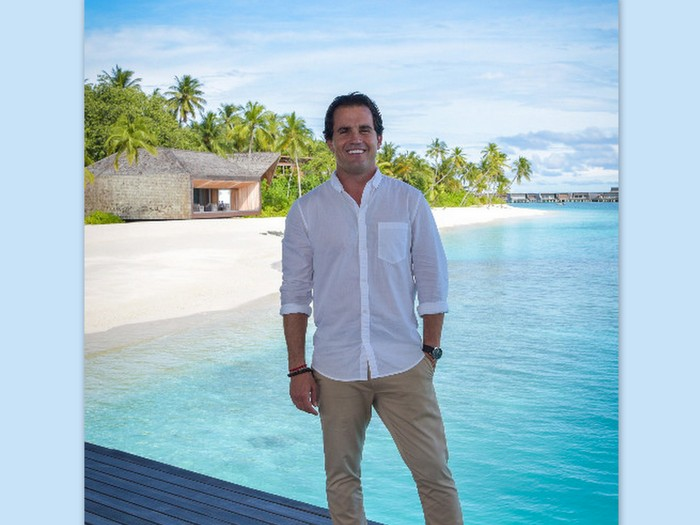 St. Regis Maldives Vommuli appoints Dominic Scoles as Resort Manager