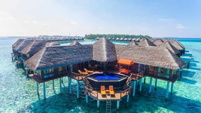 Sun Aqua Vilu Reef scores hat-trick with 'Leading Water Villa Resort' title at World Travel Awards